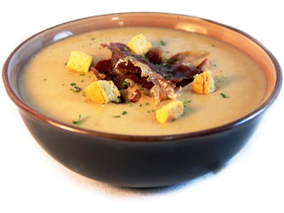 Sopa de Crema de Ajo (Cream of Garlic Soup)