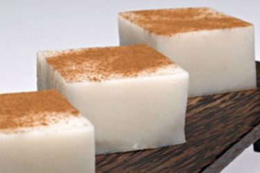 Tembleque (Coconut Pudding), photo by Hispanic Kitchen