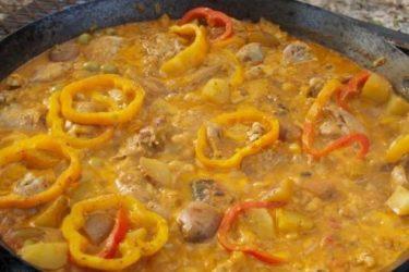 Fricasé de Pollo Estilo Cubano (Cuban-Style Chicken Fricassée)