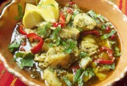 Pescado al Mojo de Ajo y Cilantro (Fish in Garlic and Cilantro Sauce)