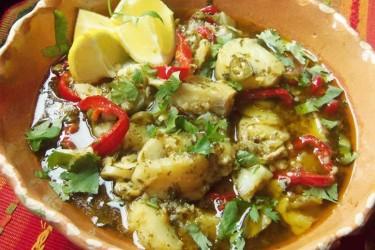 Pescado-al-Mojo-de-Ajo-y-Cilantro-(Fish-in-Garlic-and-Cilantro-Sauce)
