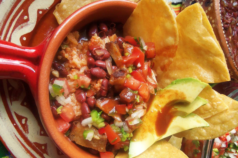 Chifrijo recipe costa rican crispy pork rice and beans chifrijo costa rican crispy pork rice and beans forumfinder Choice Image