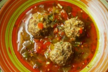 Caldo de Albóndigas (Meatball Soup with Bulgur Wheat), photo by Sonia Mendez Garcia