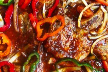 Chuletas en Salsa Ranchera