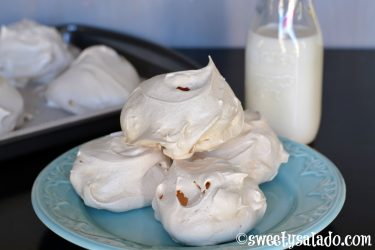 Galletas de Merengue (Meringue Cookies), photo by Sweet y Salado