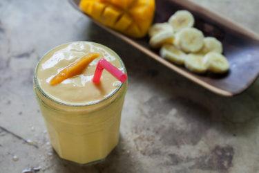 Banana and Mango Yogurt Smoothie