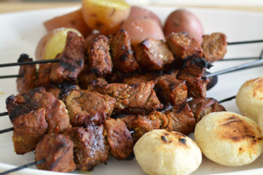 Chuzos de Carne (Beef Kabobs), photo by Sweet y Salado