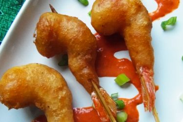 Beer-Battered Shrimp Pops With Chile Guajillo Sauce, photo by Sonia Mendez Garcia