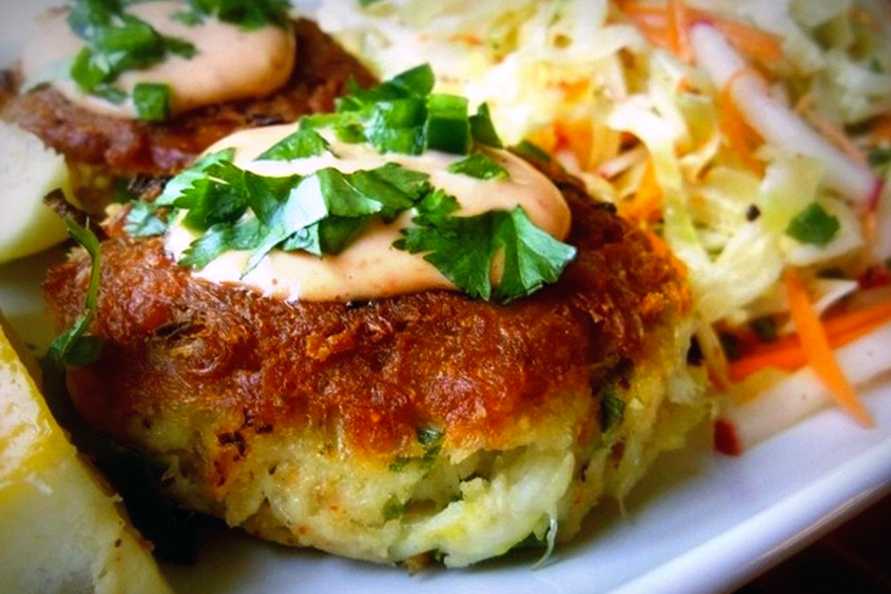 Wine With Crab Cakes