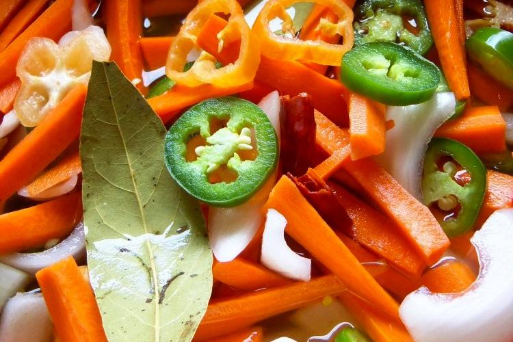 Zanahorias en Escabeche (Spicy Pickled Carrots)