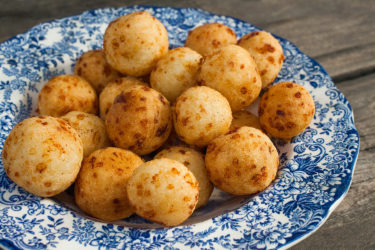 Bolitas de Queso (Arepa Cheese Balls), photo by Estrella Benmaman