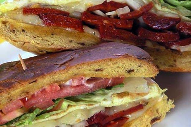 Provoleta de Chorizo (Spanish Sausage Sandwich)
