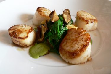 Scallops with Spinach and Mushrooms