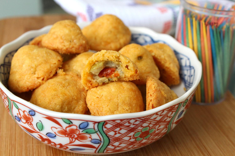 Baked Olive Cheeseballs