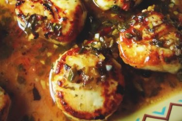 seared tequila scallops