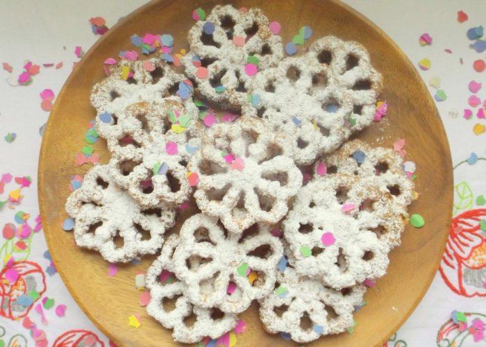 Buñuelos de Viento (Holiday Fritters), photo by Sonia Mendez Garcia