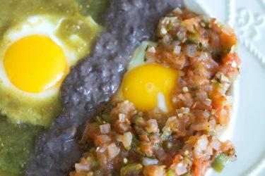 Huevos divorciados saludables, photo by Fernanda Alvarez