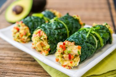 Kale Wrap with Avocado, Tuna & Carrots, photo by Fresh Avocados - Love One Today