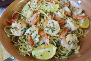 Garlic Shrimp with Pasta (Camarones al Mojo de Ajo)