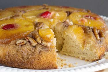 Pineapple Upside-Down Cake, photo by Sweet y Salado