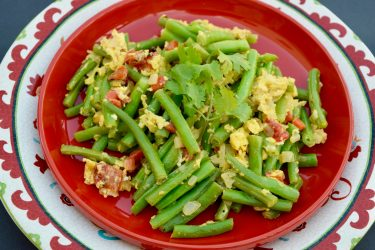Habichuelas con Huevo (Honduran-Style Green Beans with Eggs), photo by Suellen Pineda, RDN, CDN