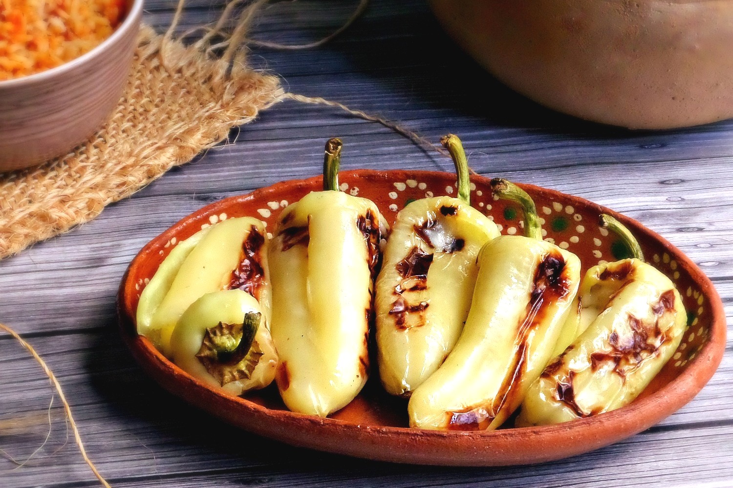 Grilled Chiles Güeros with Cheese