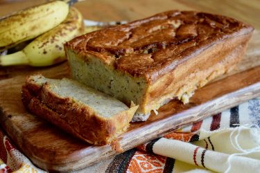 Pan de Banano Estilo Hondureño (Honduran-Style Banana Bread)