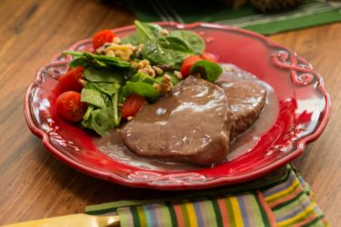 Beef Medallions in Red Wine Sauce, photo by Fernanda Alvarez