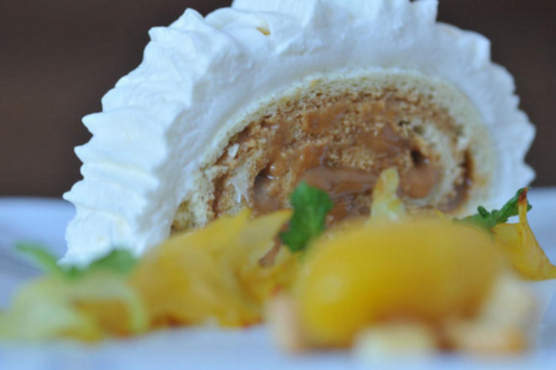 Brazo Gitano de Guayaba (Guava Jelly Roll Cake)
