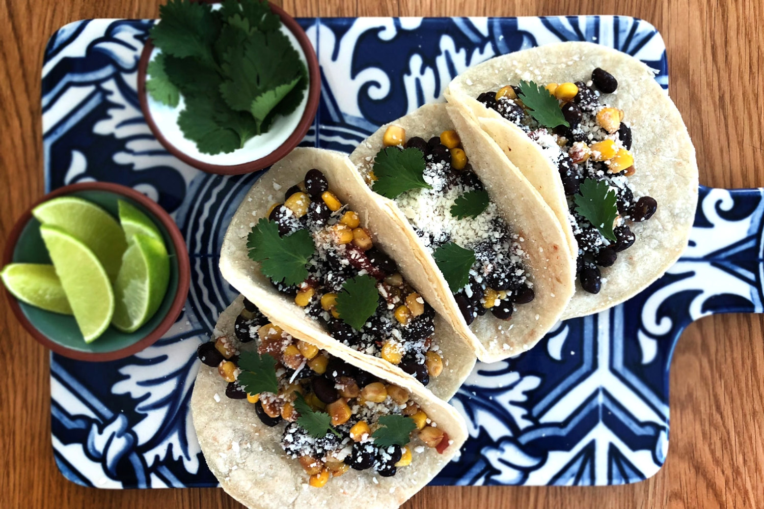Black bean and corn tacos - 10 minutes meal